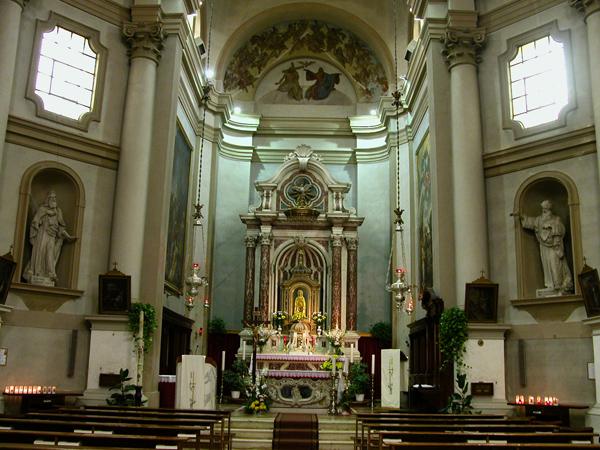 Veduta interna del santuario