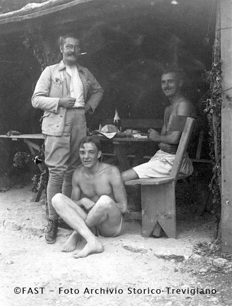 1916-1917 - Tre ufficiali austriaci - Foto Archivio Storico Treviso