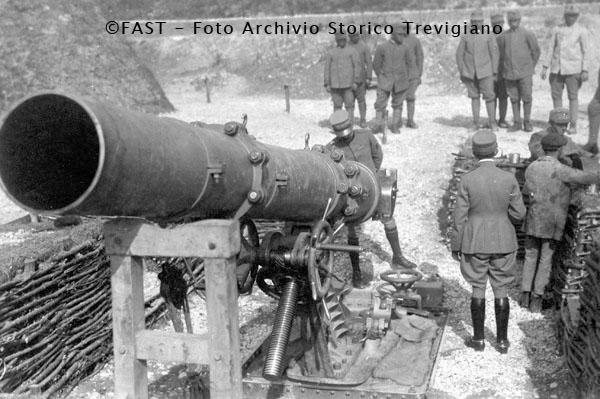 1915-1918 - Postazione di una bombarda da 400 - Foto Archivio Storico Treviso
