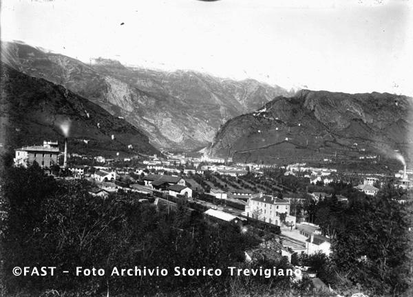 1915-1920 - Vittorio Veneto, la stazione ferroviaria presa dall'alto - Foto Archivio Storico Treviso